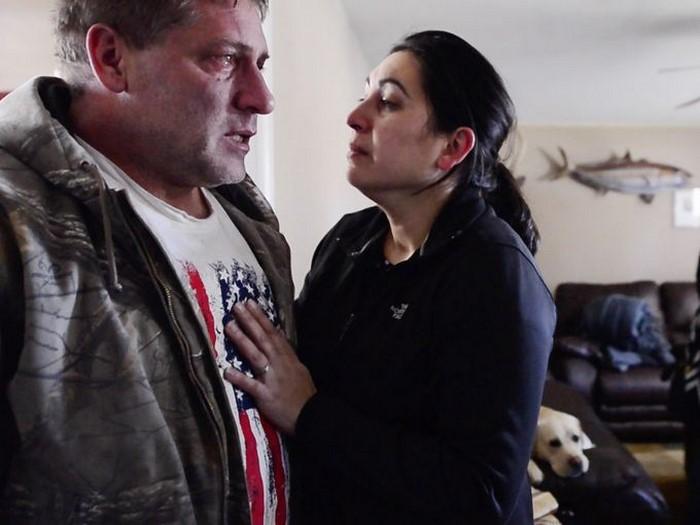 После похода к врачу бывший военный разрыдался как ребёнок. Но потом он услышал слова 10-летнего сына…