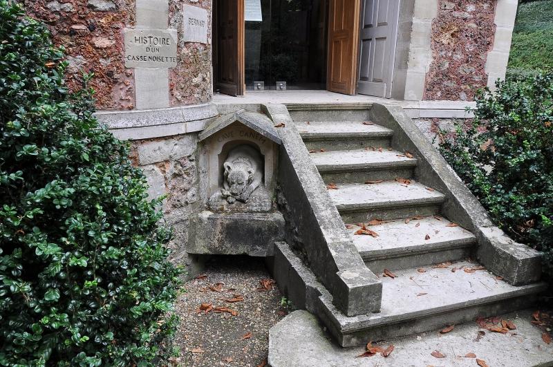 Вот как сейчас выглядит знаменитый замок Монте-Кристо, поместье Александра Дюма. Дух захватывает!