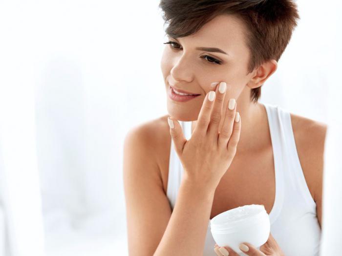 Мнение дерматологов: 11 косметических средств, которые не стоит использовать