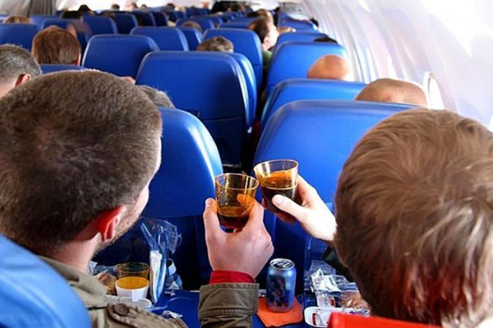 11 вещей, из-за которых вас могут снять с самолета