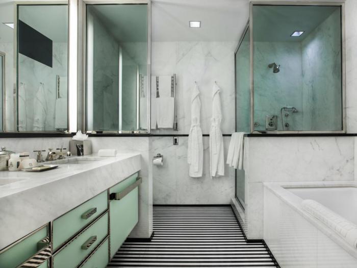 9 самых потрясающих ванных комнат в отелях всего мира