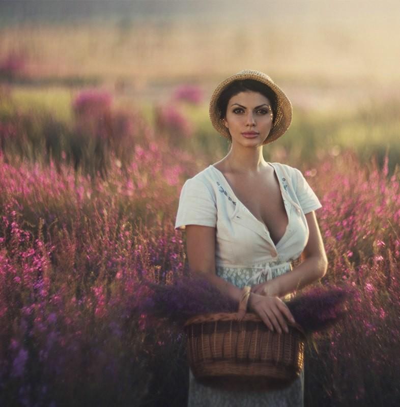 Женская красота иочарование впортретах Давида Дубницкого