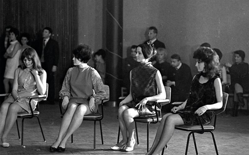 Десятикласница Ирина Алфёрова - участница советского конкурса красоты в1968 году