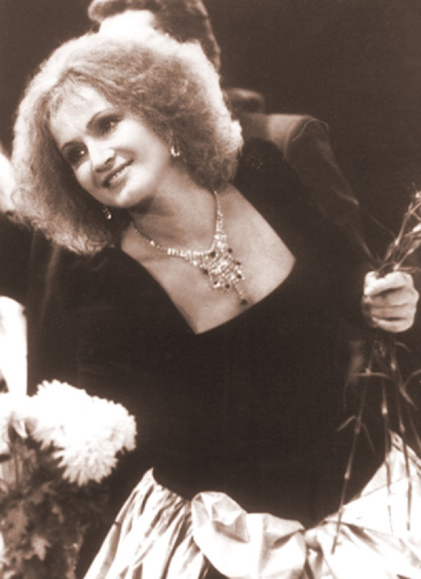 София Ротару ошеломила поклонников своим потрясающим внешним видом. Посмотри, как она изменилась!