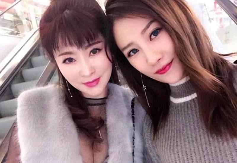 Каксестры: 25-летняя дочь, другая — 50-летняя мать
