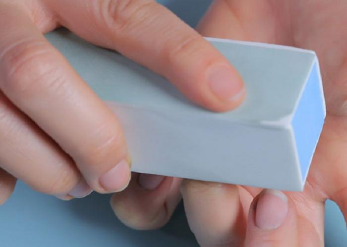 13 действий, которые не стоит совершать со своими ногтями