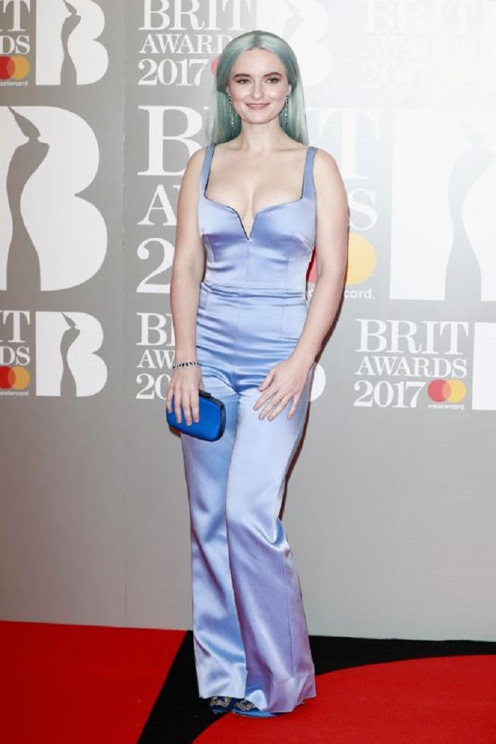 Этим бесстыжим платьям суждено переплюнуть все наряды на Brit Music Awards! Ужас какой-то.