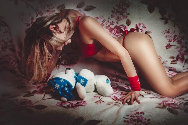 11 вещей, которые девушки любят в постели, но стесняются в этом признаться.