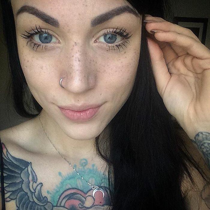 Татуированные веснушки - новый тренд сезона!