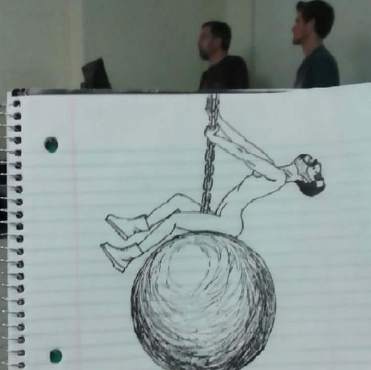 Студент, просиживая время напарах, рисовал своего преподавателя, создавая веселые карикатуры
