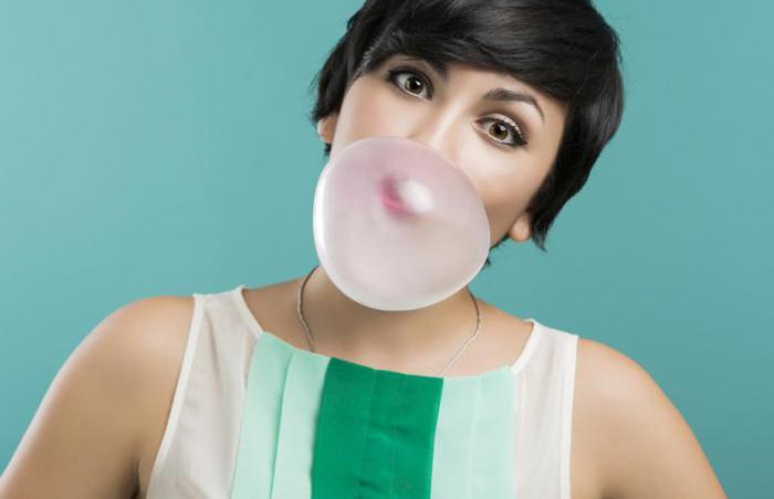 Как держать запах изо рта под контролем: 11 способов