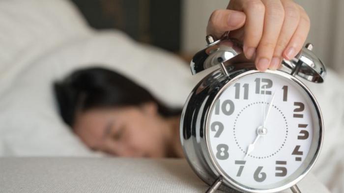 11 вещей, которые не нужно делать сразу после пробуждения