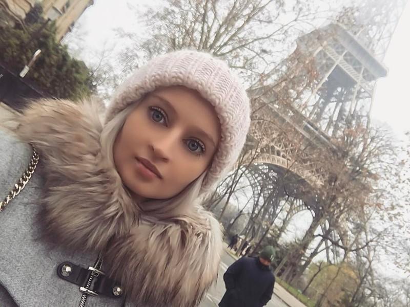 Живая Барби изРоссии утверждает, чтоеёкукольные черты лица абсолютно естественны