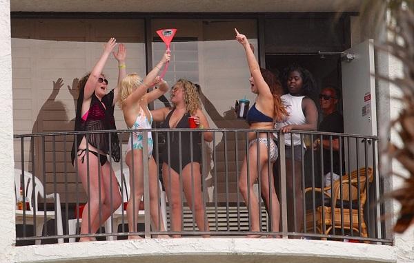 Весенние каникулы по-американски! Как любят отдыхать студенты США.