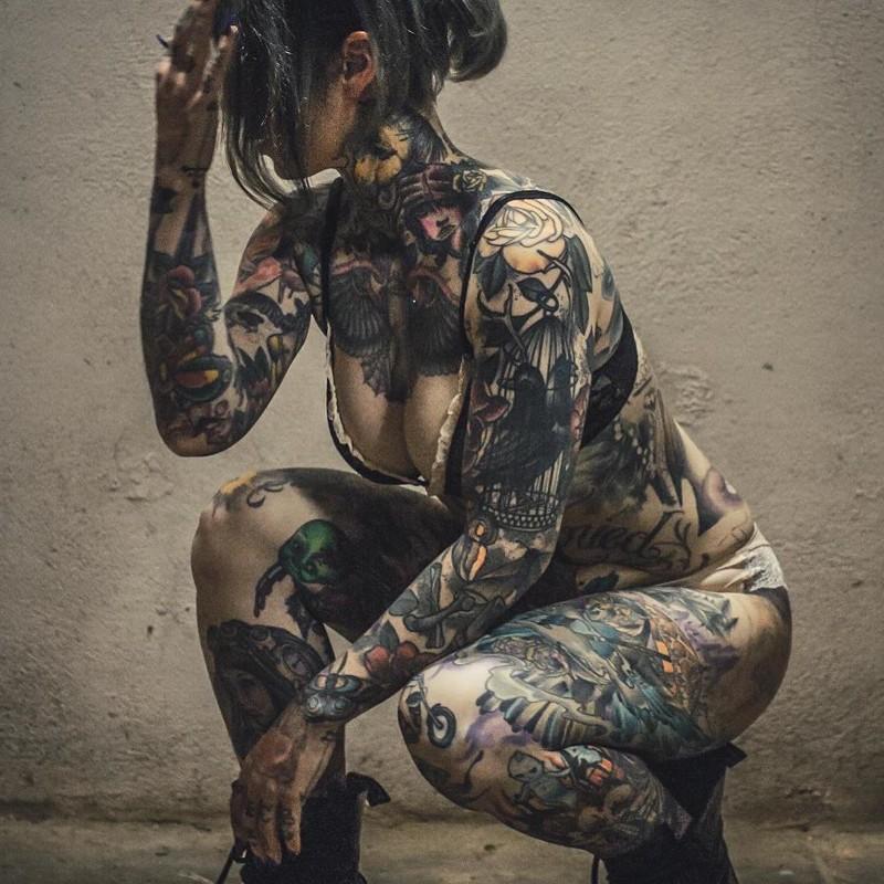 Тотмомент когда татуировку замечаешь впоследнюю очередь