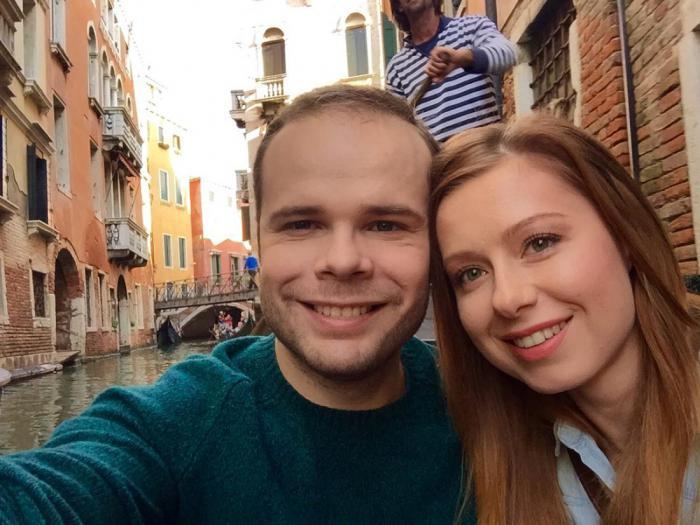 Куда пропала Юлия Савичева? Максим Фадеев объяснил исчезновение певицы