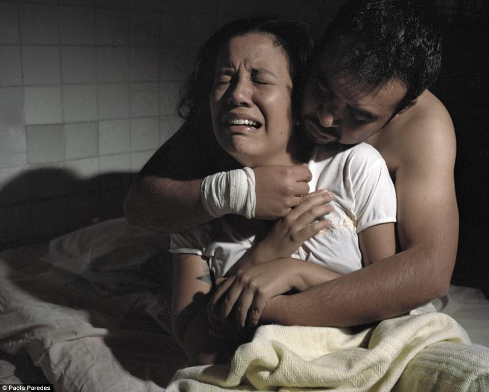 Вот как в эквадорских больницах людей лечат от гомосексуальности