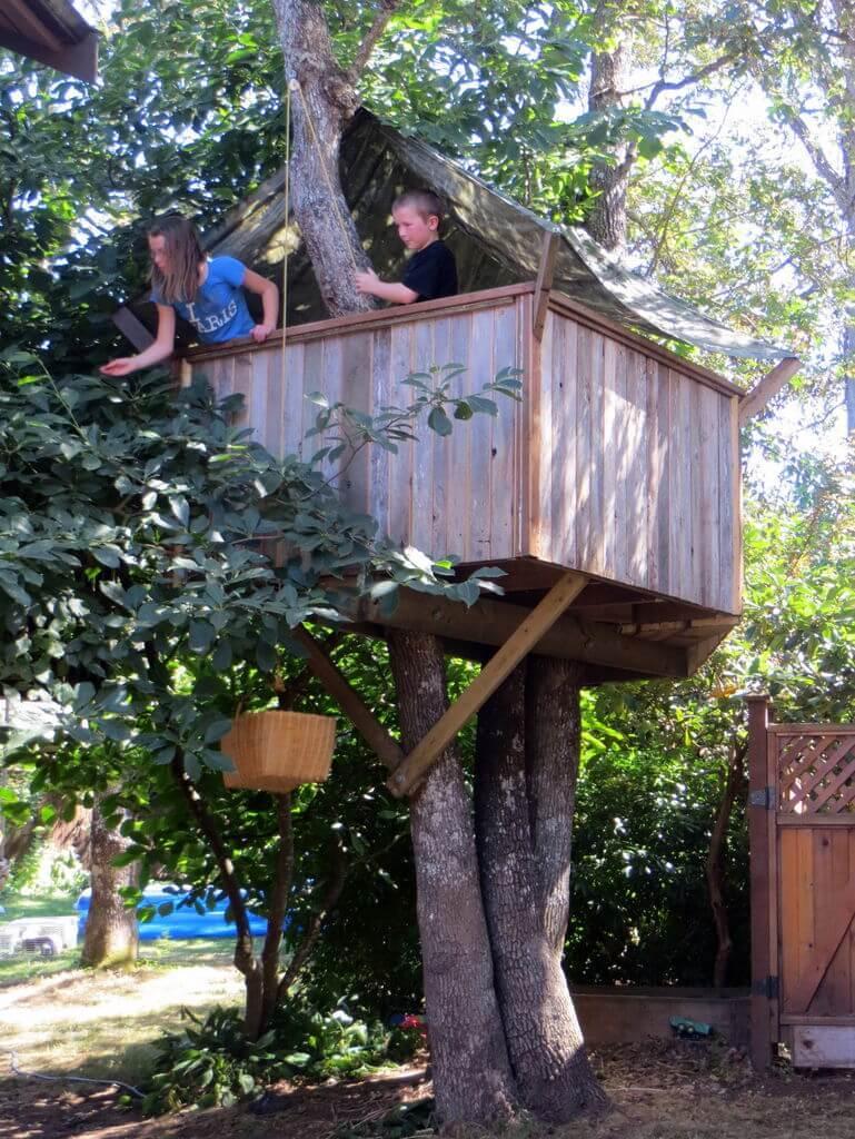 Как сделать ребенку свой домик на дереве 587