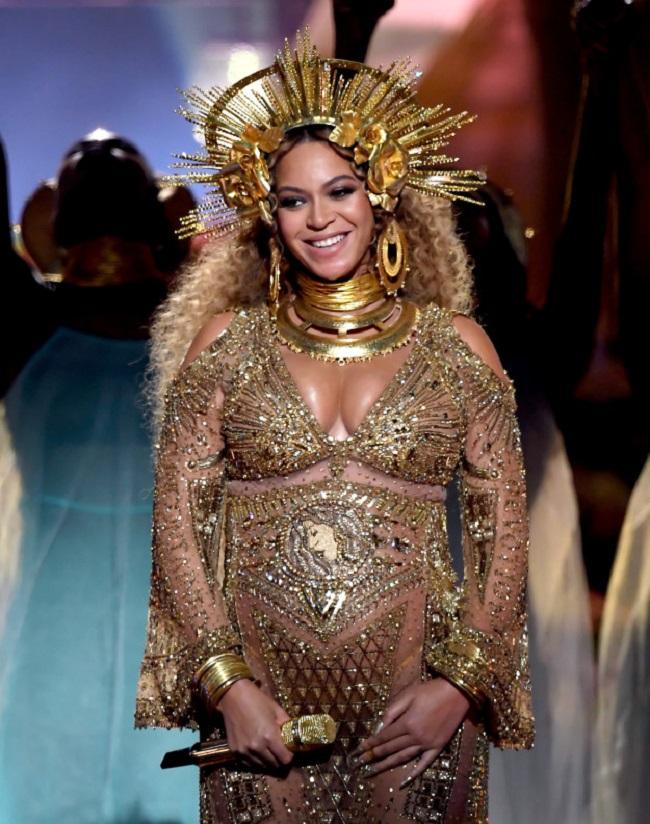 Держу пари: ты миллионы раз видел платье Бейонсе, но никогда не замечал ЭТОГО...