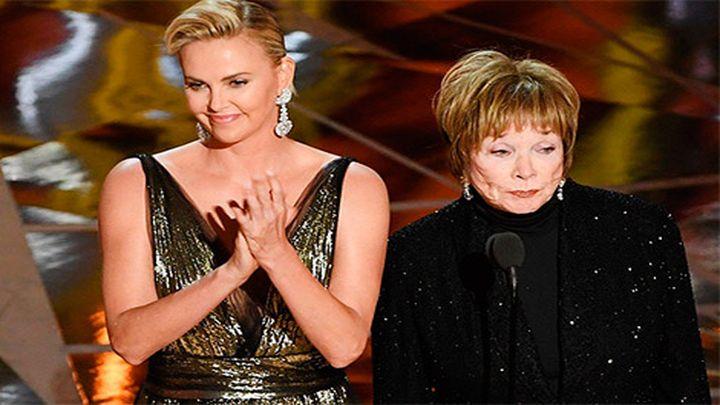 Иранский телеканал заретушировал декольте Шарлиз Терон навручении «Оскара»