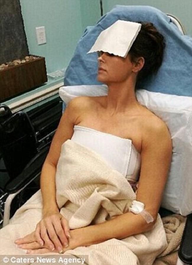 Почему модели Playboy одна задругой удаляют грудные импланты?