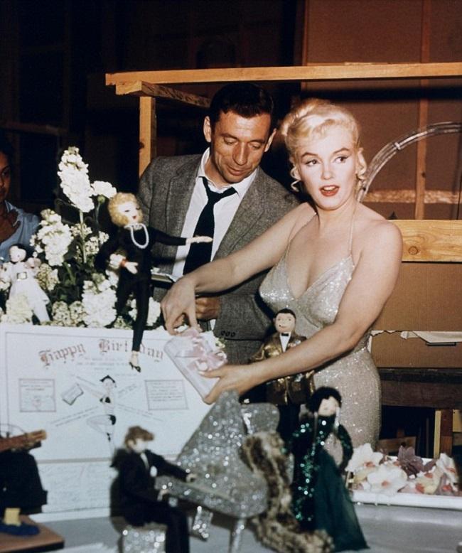 Новые подробности интимной жизни секс-символа 50-х Мэрилин Монро подняли шумиху в Сети.