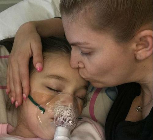 Врачи сказали, что у её дочери обычная простуда, но материнское чутьё подсказывало, что всё гораздо хуже