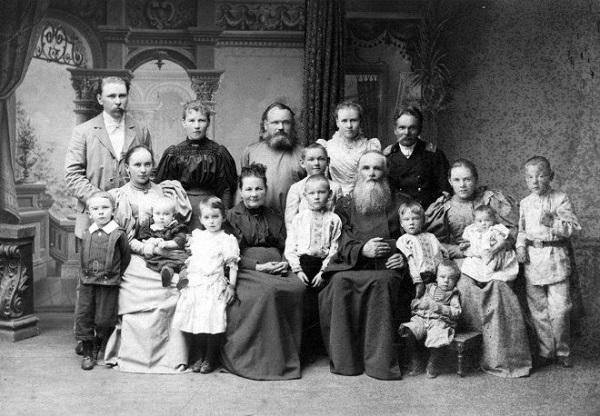Вот почему все люди на старых фотографиях не улыбаются. Причина вводит в ступор...