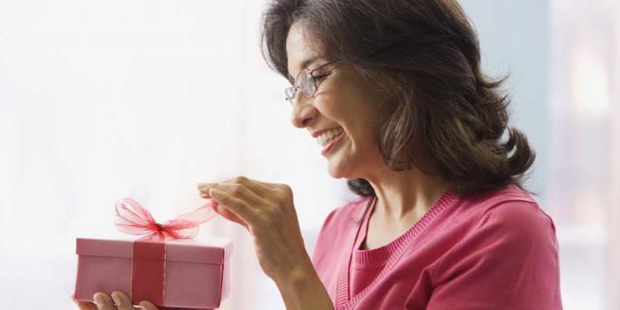 Красивое поздравление женщине с 50-летием в стихах и прозе