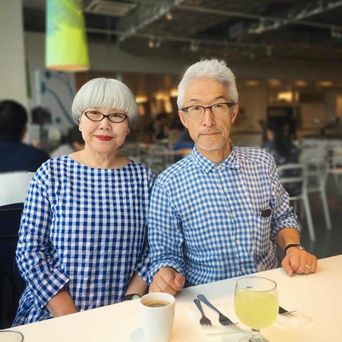 Этапара жената уже37летивсегда одевается водном стиле