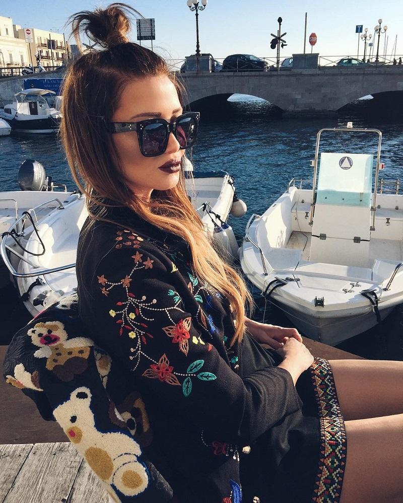 Гламурная 47-летняя бабушка из Италии покорила сердца пользователей Инстаграма.