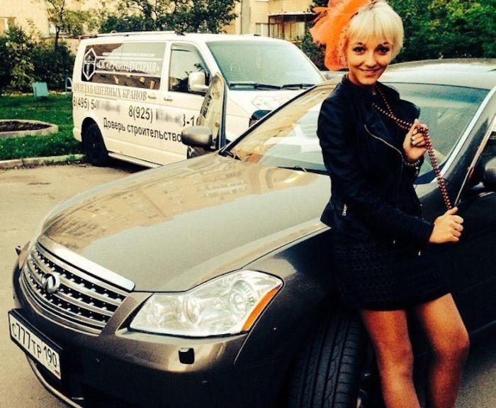 СМИобратили внимание наавтомобили сотрудницы ОВДБарвихи