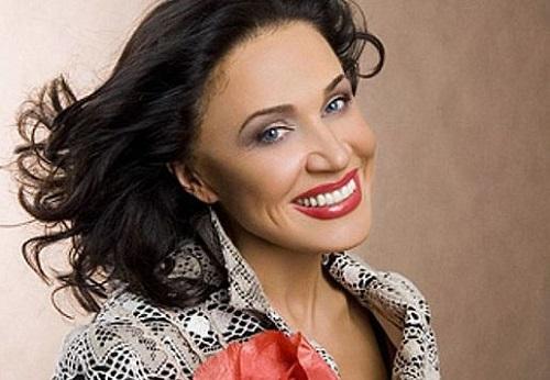 66-летняя Надежда Бабкина опубликовала домашнее фото без макияжа. Пример для зрелых женщин!