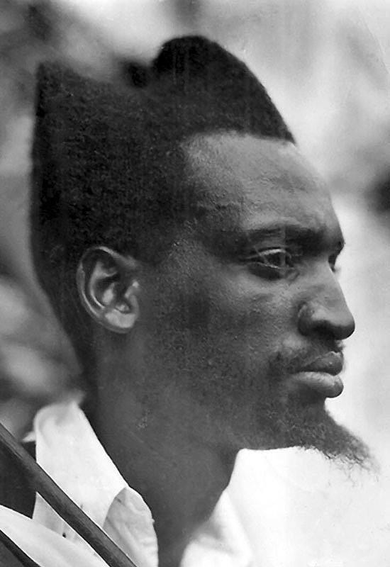 Амасунзу — традиционные руандийские прически илисамые дикие стрижки какие вытолько видели