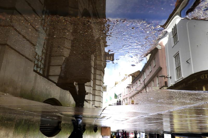 Параллельные миры городских луж