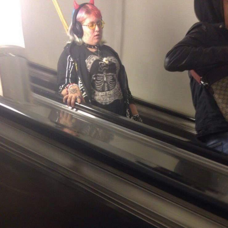 24 колоритных модников, которых можно встретить в метро
