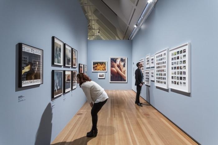 Провокационные снимки Нан Голдин. Вот что снимают по-настоящему великие фотографы.