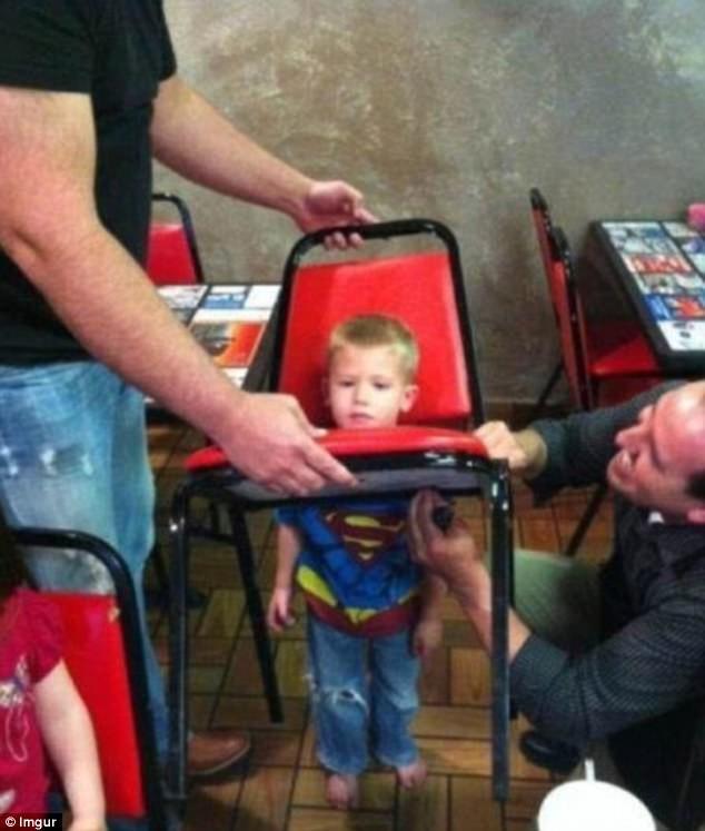 Дети могут застрять гдеугодно!