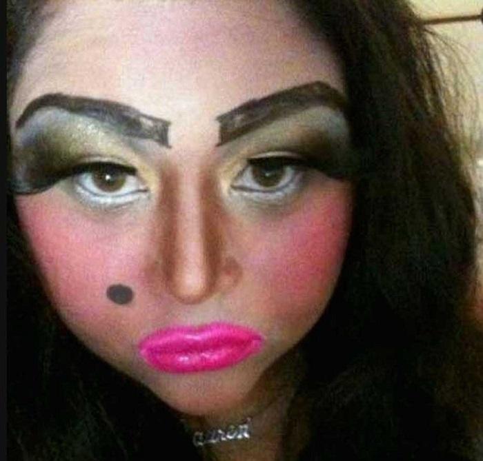 15 случаев, когда с макияжем что-то пошло не так. Невозможно смотреть без содрогания!