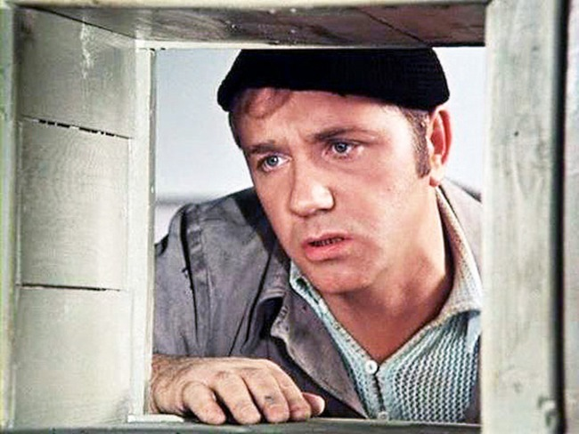 Женщина вызвала сантехника на дом. Хотя он ничего не сделал, ему заплатили 1 100 рублей... Вот в чём вся соль!