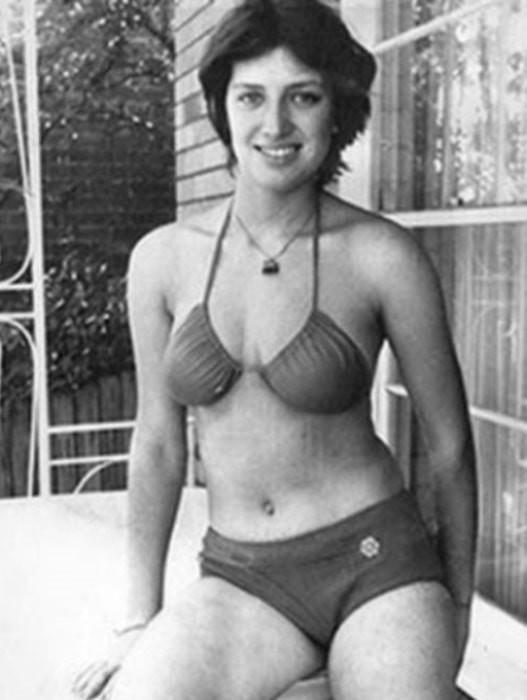 «Девушка вкрасном бикини»: история официантки, удравшей изСССР вплавь