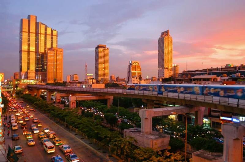 Города, гдемужчина неостанется водиночестве