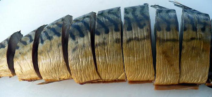 Скумбрия в луковой шелухе за 3 минуты: рецепты приготовления