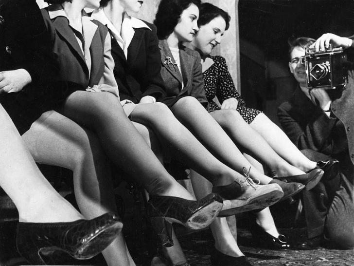 Вот как появилась мода на бритые женские ножки. Оказалось, причина во Второй мировой!