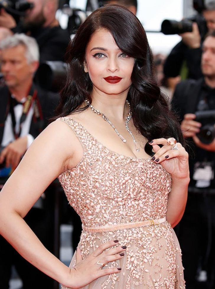 10 самых обворожительных восточных красавиц среди знаменитостей