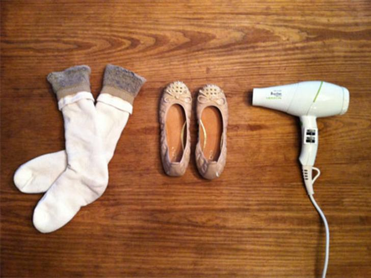 Как растянуть слишком тесную обувь за 5 минут