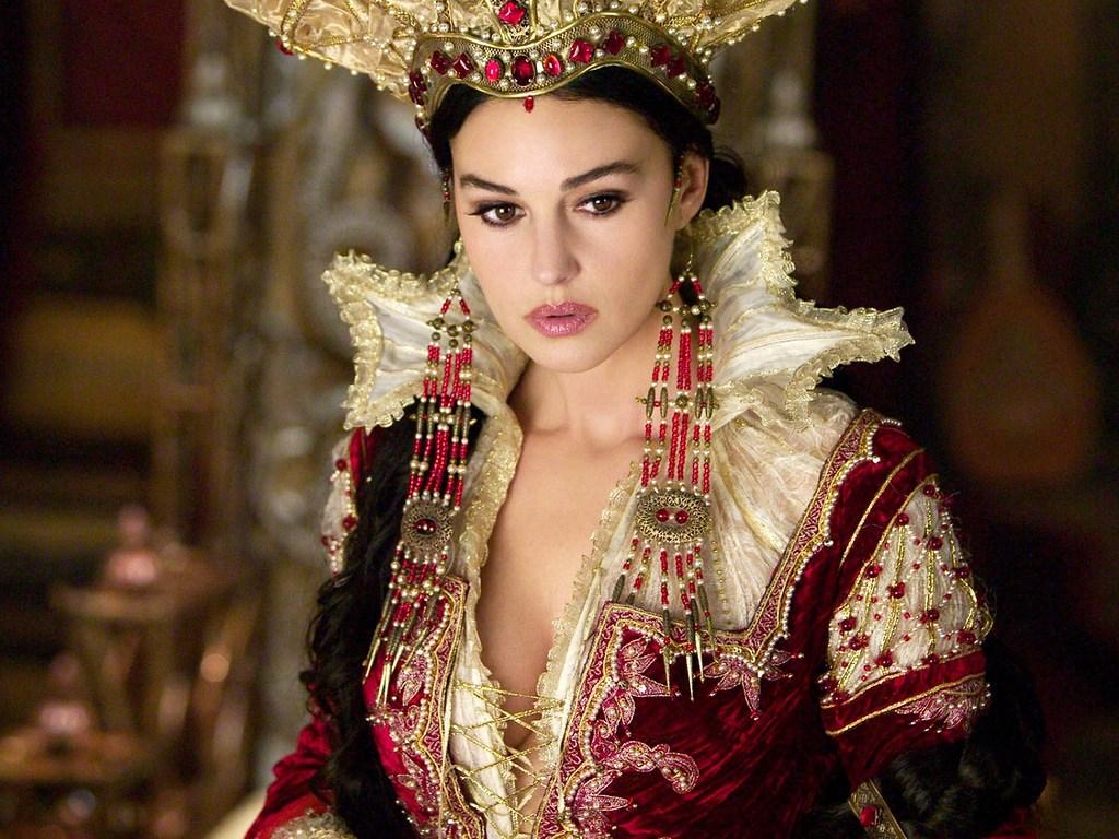 Выбери месяц своего рождения и узнай, какая ты королева!
