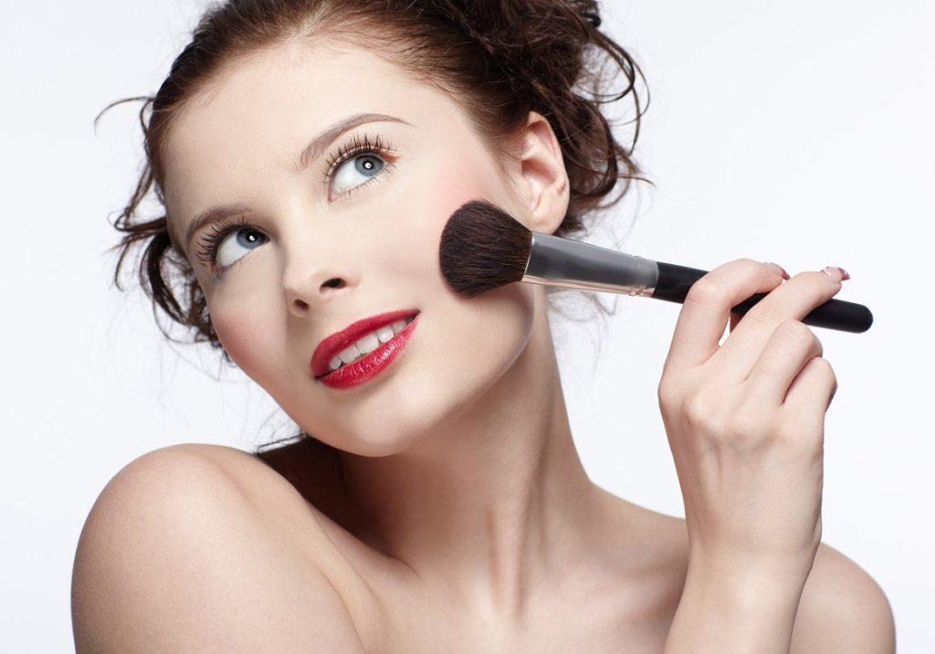 7 ОШИБОК в макияже, которые добавляют возраст любой женщине