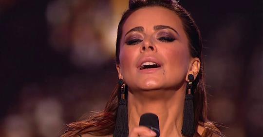 Ани Лорак спела песню о муже, предавшем ее: «Я не знала правды, верила слепо…»