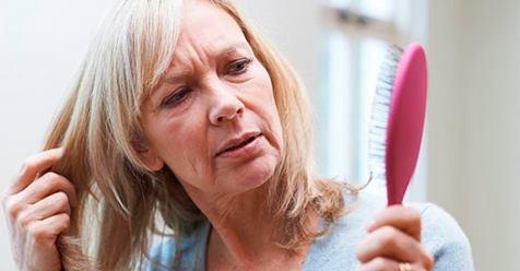 Вот как устранить проблемы с кожей и волосами, возникающие в период менопаузы!